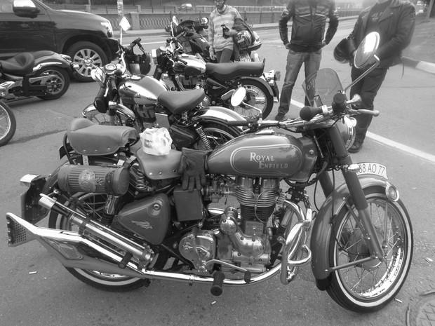 В Москве официально открылся салон мотоциклов Royal Enfield. Изображение № 17.