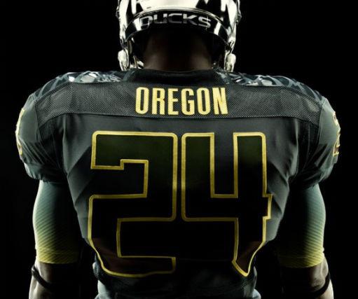 Футуристичная униформа команды Oregon Ducks. Изображение № 6.