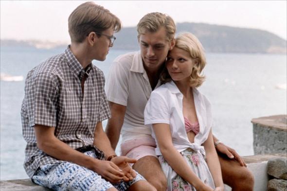 В «Талантливом мистере Рипли» оба главных персонажа не раз появляются в рубашках с коротким рукавом, поэтому не понятно, чью именно рубашку позаимствовала героиня Гвинет Пэлтроу. Изображение № 3.