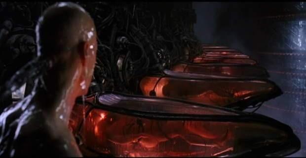 Кадр из фильма «Матрица»: машины используют людей как источник электроэнергии. Изображение № 1.