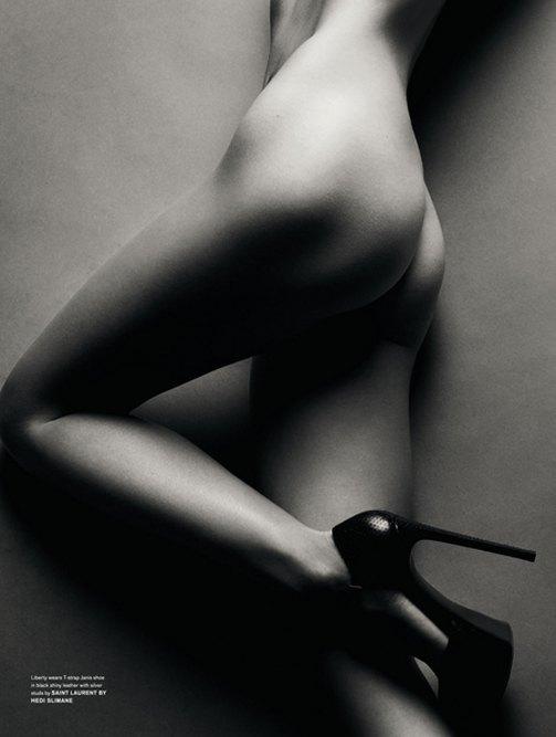 Фотограф Сольве Сундсбо снял 10 молодых моделей для журнала LOVE. Изображение № 10.