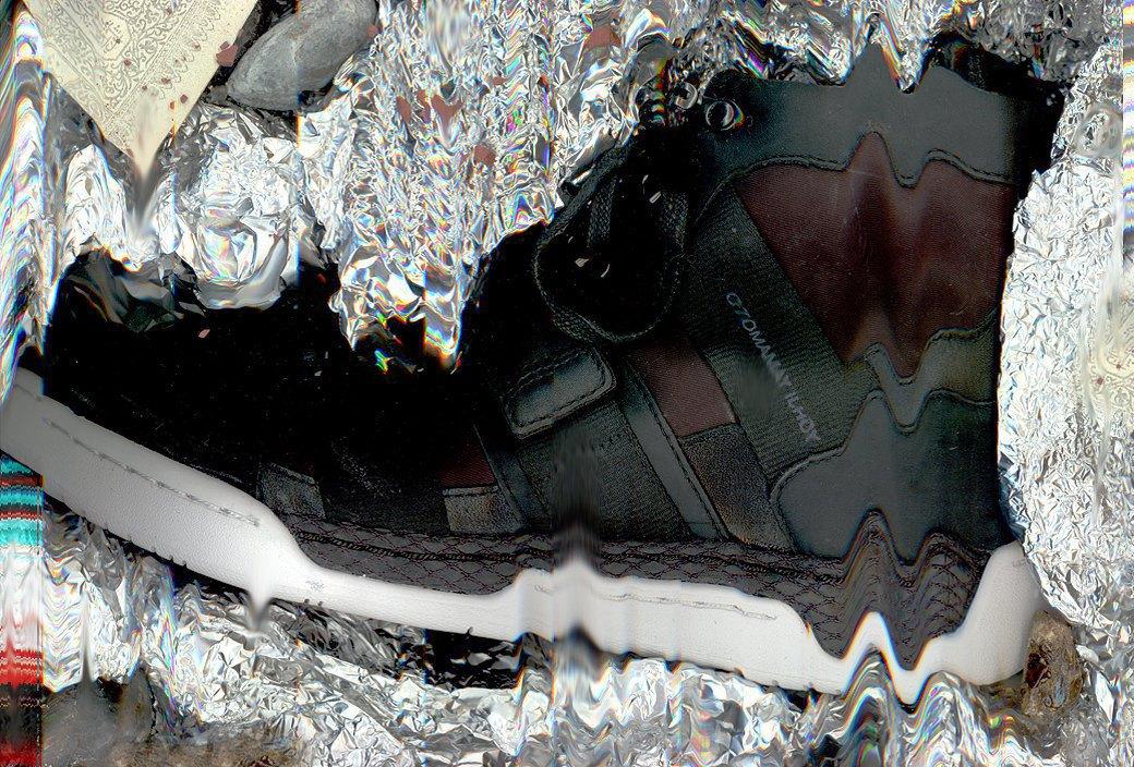 Гости из будущего: Ревизия футуристичных кроссовок. Изображение № 2.