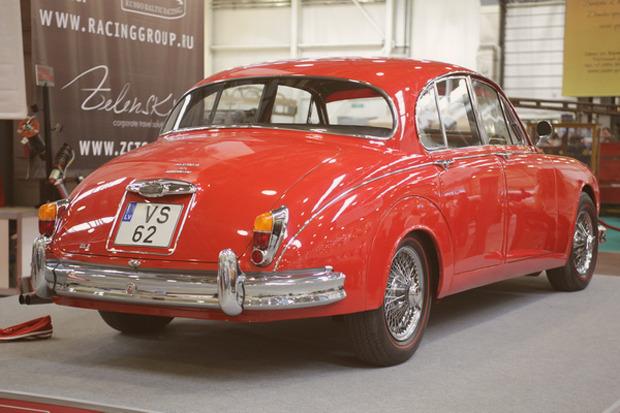 Машина времени: 8 лучших ретроавтомобилей с выставки «Олдтаймер». Изображение № 1.
