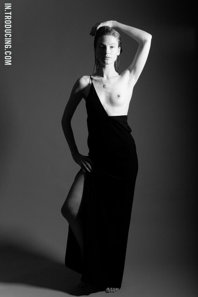Норвежская модель София Лай снялась у фотографа Алекса Фрейда. Изображение № 5.