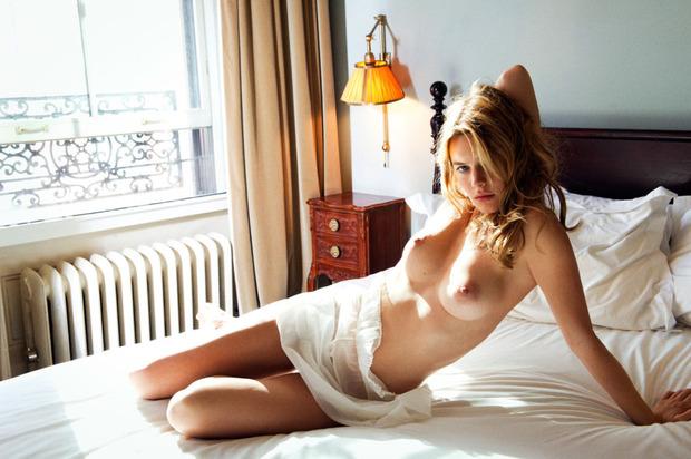 Французская модель Камиль Роу снялась у фотографа Памелы Хэнсон. Изображение № 1.