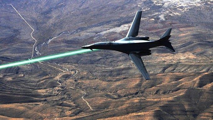 Американские истребители оснастят лазерным оружием. Изображение № 1.