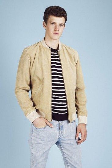 Французская марка A.P.C. выпустила лукбук весенней коллекции одежды. Изображение № 17.