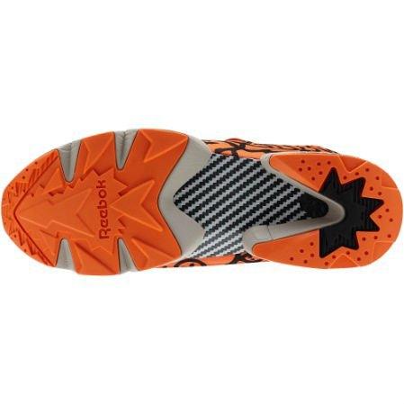 Reebok Classic выпустили новые кроссовки с рисунками Кита Харинга. Изображение № 5.