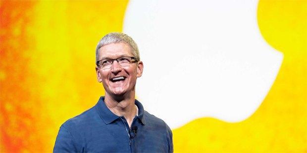Топ-менеджер швейцарской часовой компании перешёл в Apple. Изображение № 1.