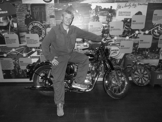 В Москве официально открылся салон мотоциклов Royal Enfield. Изображение № 28.