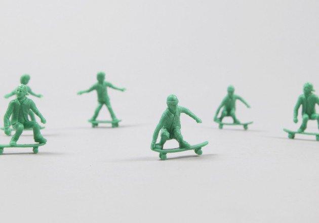 Американский производитель солдатиков выпустил игрушечных скейтеров. Изображение № 1.