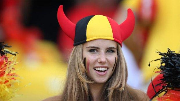 L'Oréal уволил бельгийскую болельщицу за расистский снимок. Изображение № 1.