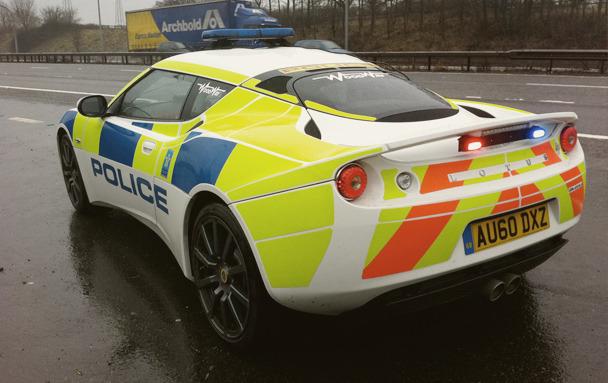 Полицейский беспредел: Самые навороченные авто на службе полиции разных стран. Изображение № 3.