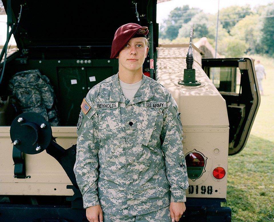 Семейный альбом: Как устроена бытовая жизнь американских военных . Изображение № 29.