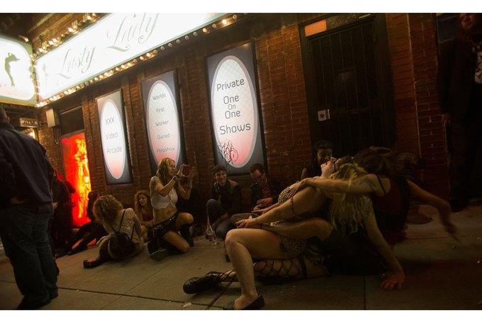В Сан-Франциско закрылся легендарный стрип-клуб Lusty Lady. Изображение № 4.