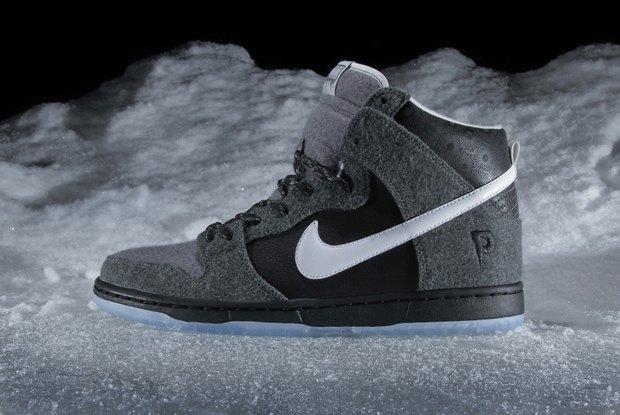 Магазин Premier и марка Nike выпустила совместную модель обуви SB Dunk Hi Premier SE. Изображение № 2.