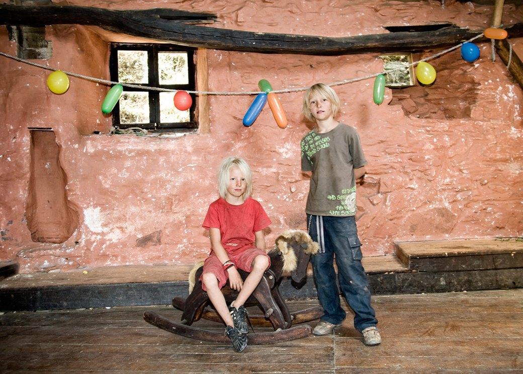 Фото: Жители экопоселения, сбежавшие от цивилизации в горы Испании. Изображение № 13.