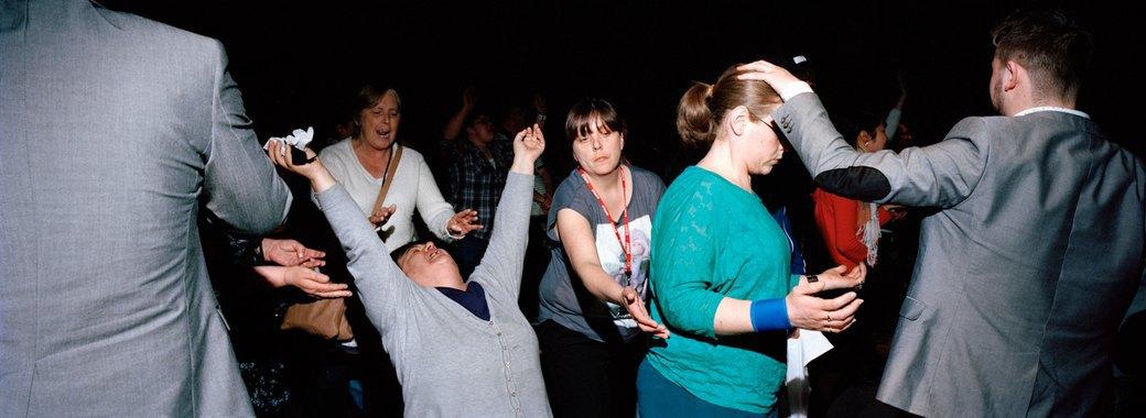 «Время танцевать»: Чем богослужение похоже на вечеринку. Изображение № 9.