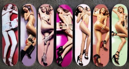 Деки для скейтбордов с голыми топ-моделями. Изображение № 2.