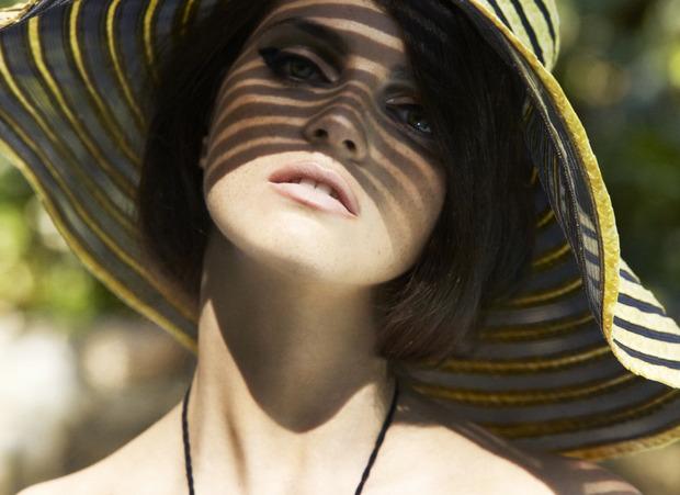 Модель Джейза Чиминаццо снялась в рекламе нижнего белья La Perla. Изображение № 12.