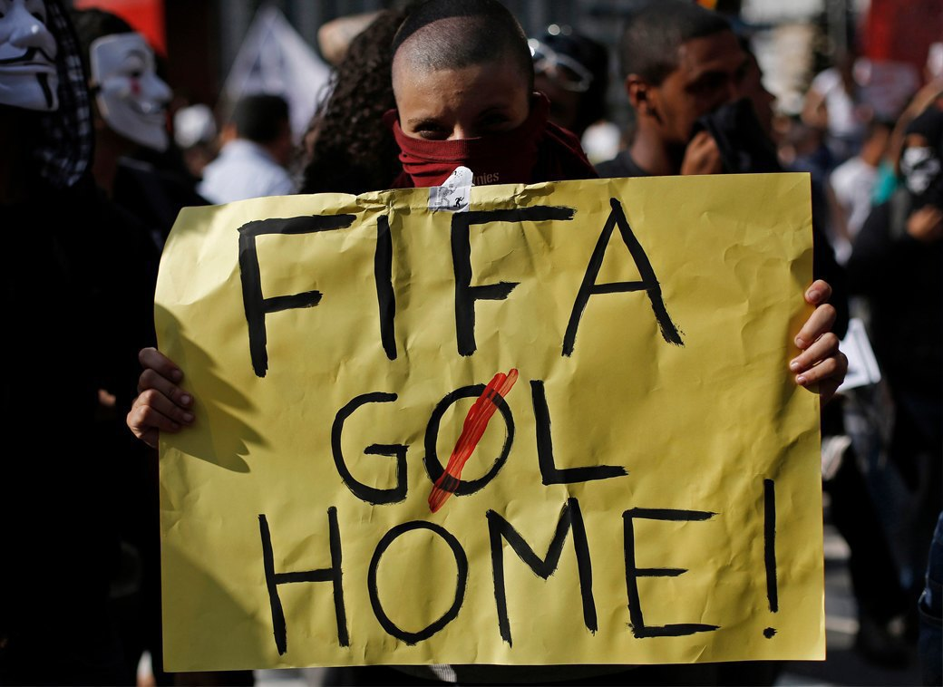Низы не хотят: Что не так с чемпионатом мира по футболу в Бразилии. Изображение № 2.