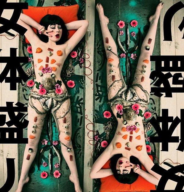 Дочь премьера Новой Зеландии снялась в эротической фотосессии с осьминогом. Изображение № 3.