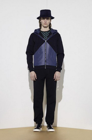 Марка Opening Ceremony опубликовала лукбук осенней коллекции одежды. Изображение № 11.
