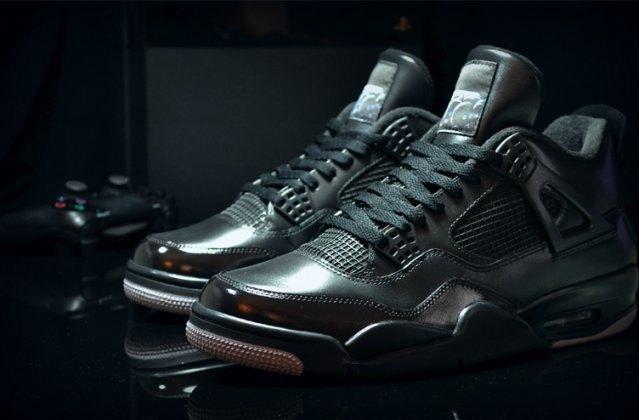 Air Jordan выпустили кроссовки, вдохновлённые PS4, с HDMI. Изображение № 5.
