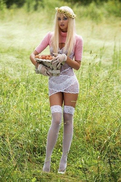 Супермодель Миранда Керр снялась для V Magazine в образе порноактрисы Чиччолины. Изображение № 5.