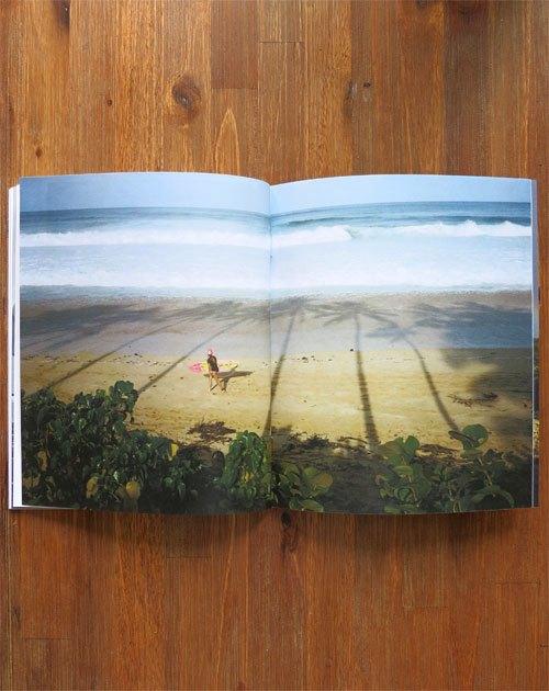 Вышел сборник фотографий Нолана Холла о сёрфинге на Гавайях. Изображение № 4.