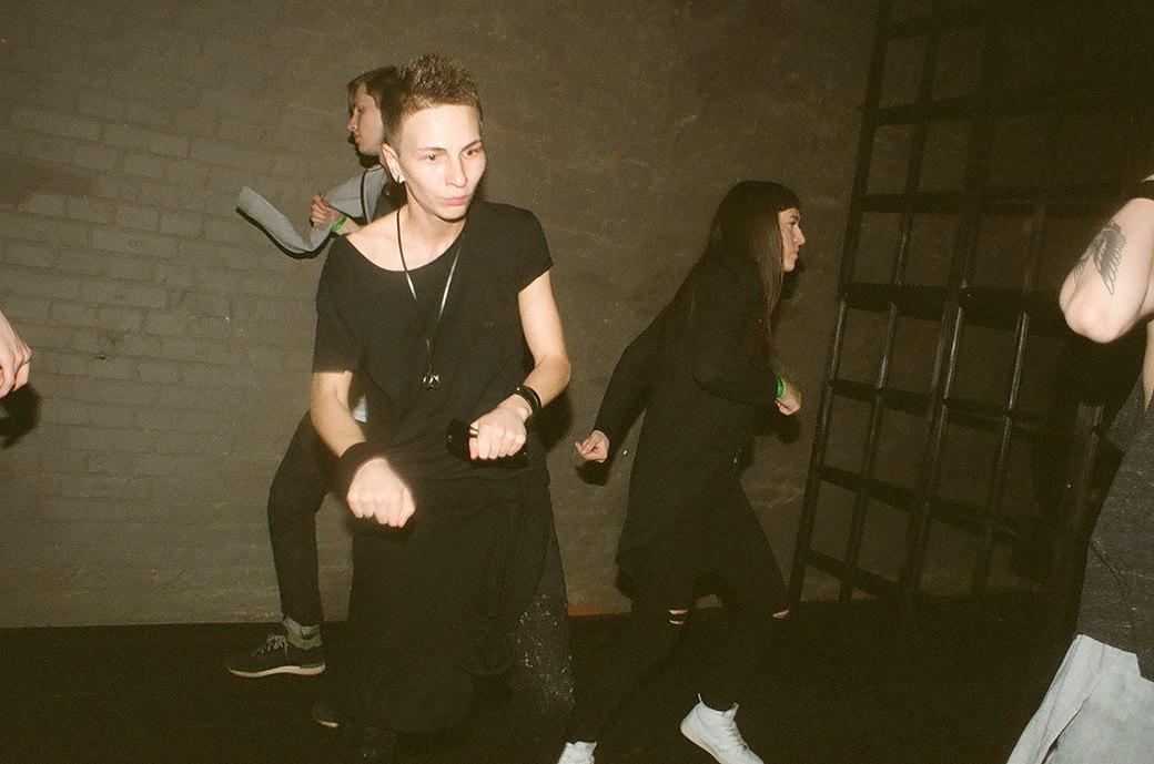 Фоторепортаж: Техно-зомби, модники и люди в чёрном на рейве Body. Изображение № 20.
