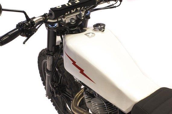 Мотомастерская Deus Ex Machina представила кастом на базе Yamaha SR. Изображение № 10.