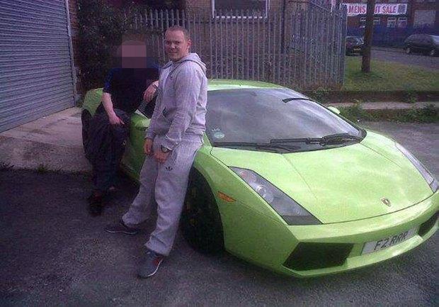 Британских угонщиков нашли по фотографиями угнанных авто в Facebook. Изображение № 6.