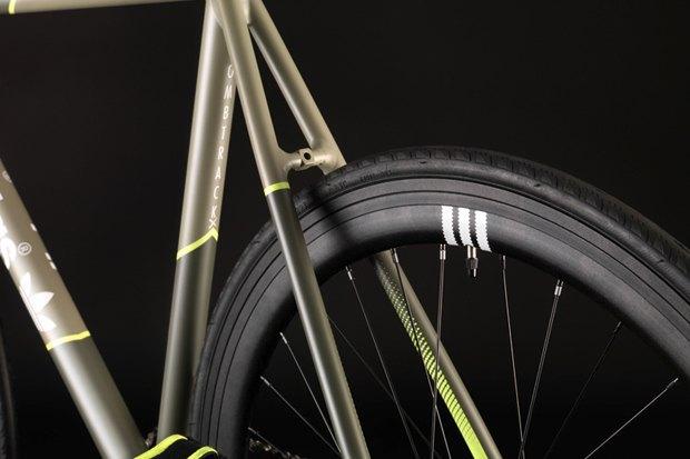 Марки Adidas и Bombtrack представили совместную модель велосипеда. Изображение № 6.