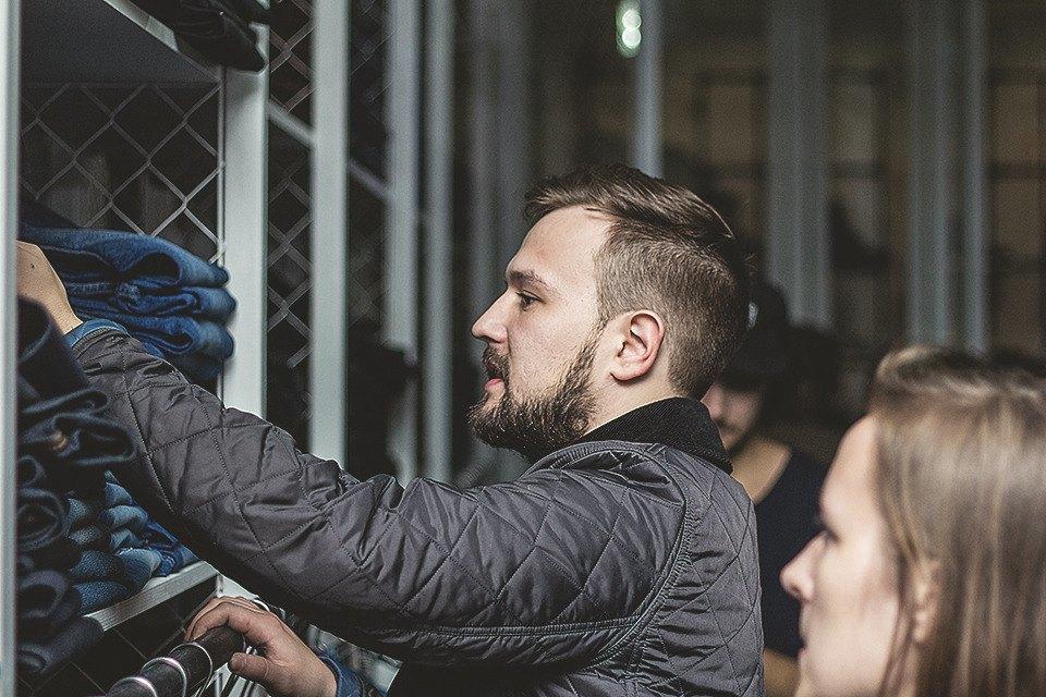 Детали: Репортаж с открытия магазина Code7 в Петербурге. Изображение № 34.