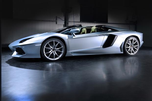 Lamborghini представили новый суперкар Aventador LP700-4 Roadster . Изображение № 6.