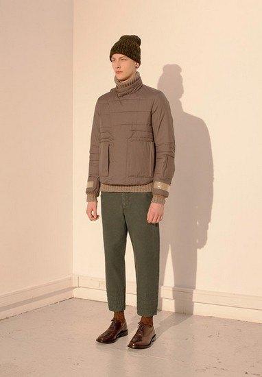 Марка Undercover опубликовала лукбук осенней коллекции одежды. Изображение № 11.