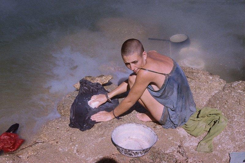Бесконечное лето: Кочевая жизнь рейверов 1990-х. Изображение № 10.