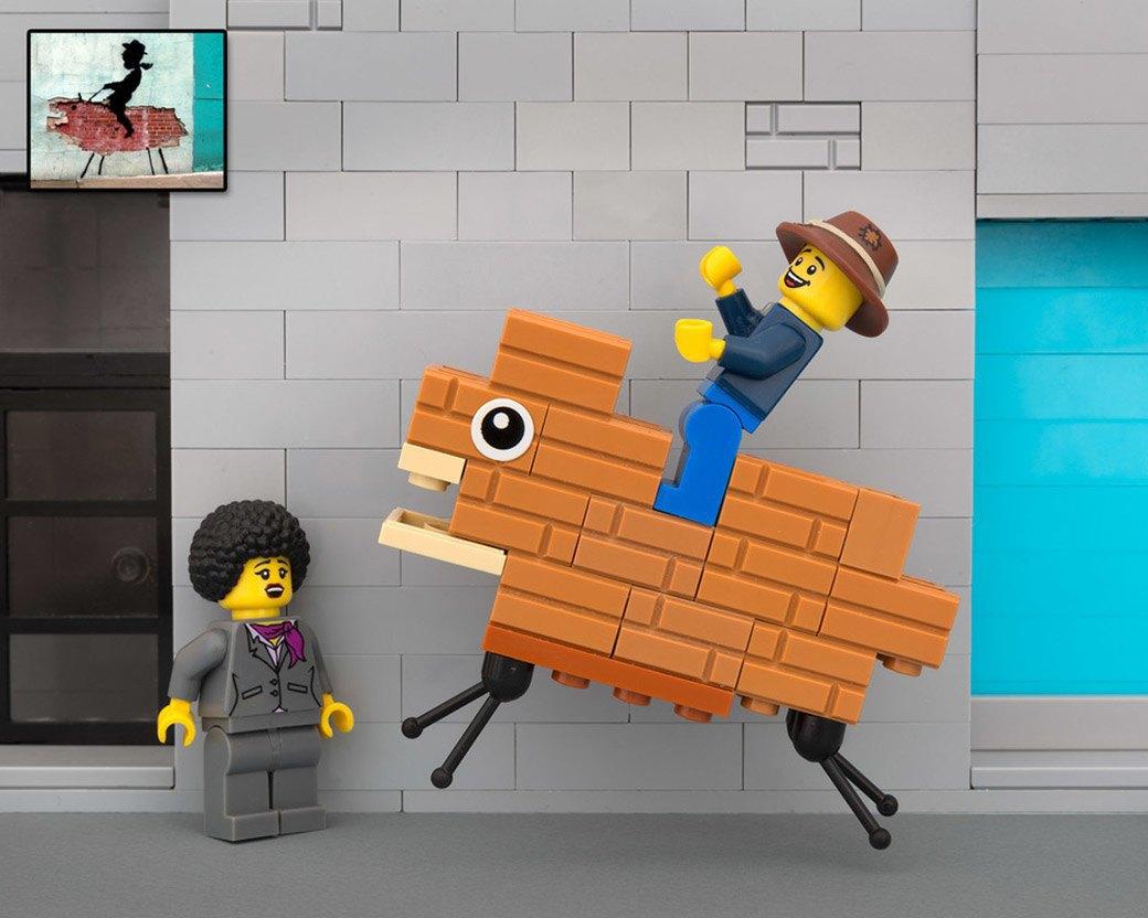 Bricksy: Работы Бэнкси из конструктора LEGO. Изображение № 7.
