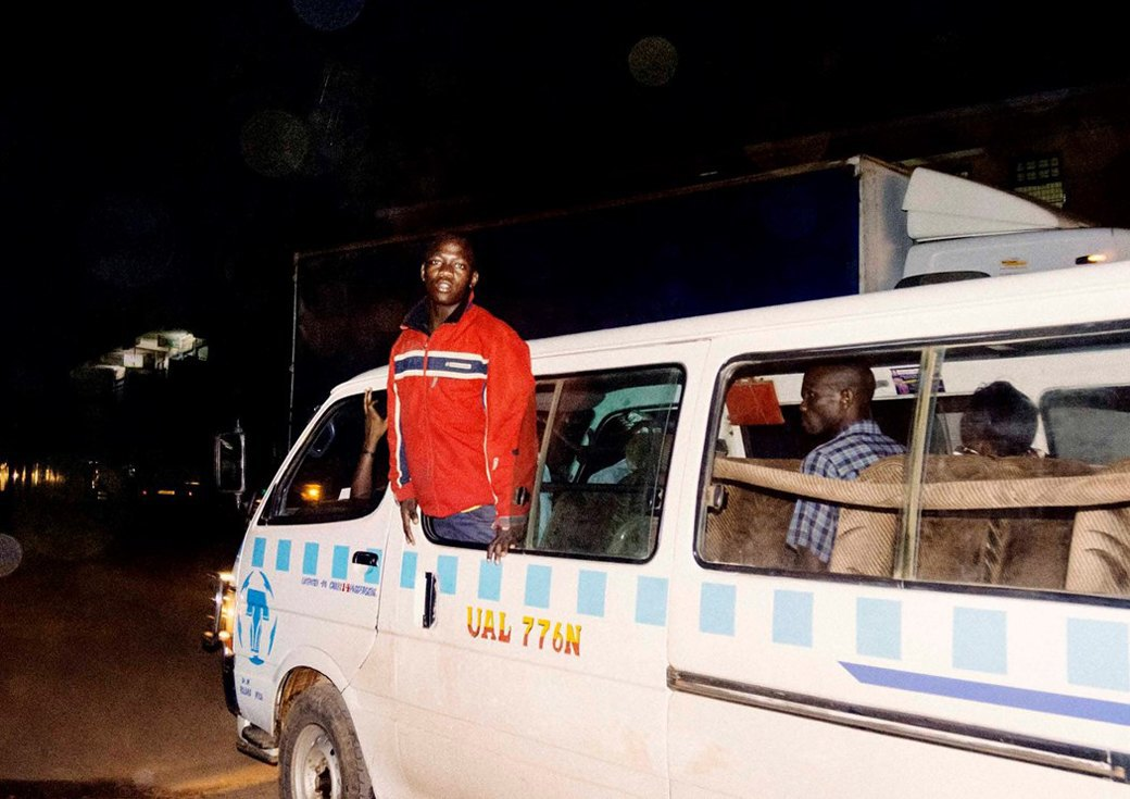 Сутенёры, лучники и золотая молодёжь: Фоторепортаж о ночной жизни в Уганде. Изображение № 8.