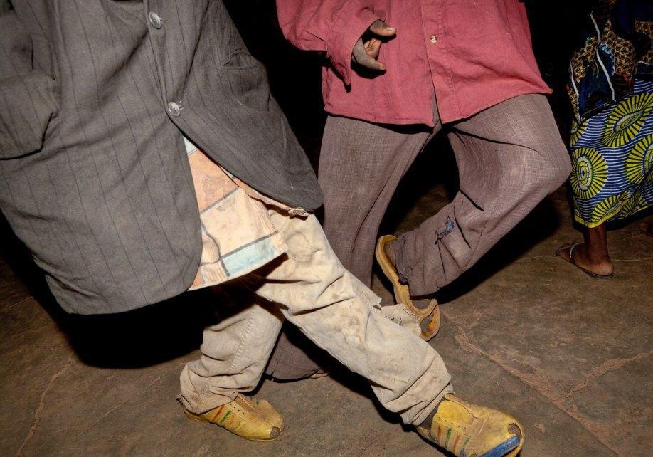Мы хотим танцевать: Как выглядит сельская дискотека в Африке. Изображение № 11.