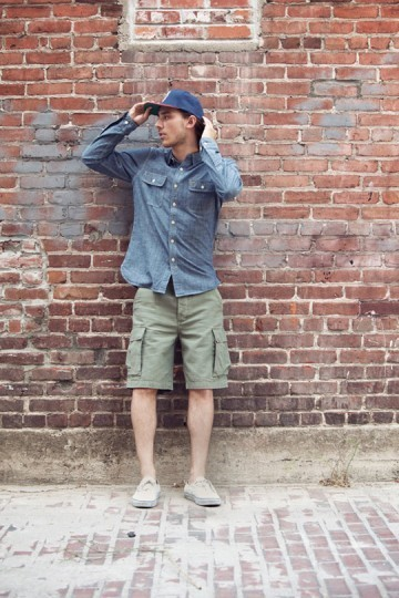 Марка Obey выпустила лукбук весенней коллекции одежды. Изображение № 16.