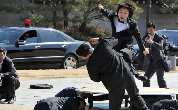 Южнокорейские солдаты борются с терроризмом приемами из арсенала Человека-паука. Изображение № 8.
