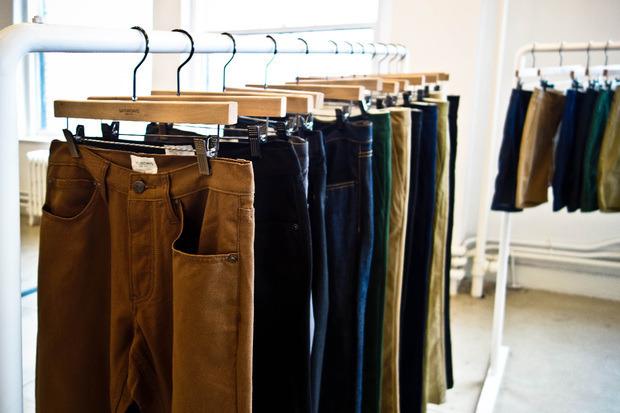 Американская марка Saturdays Surf NYC выпустила превью весенней коллекции одежды. Изображение № 17.