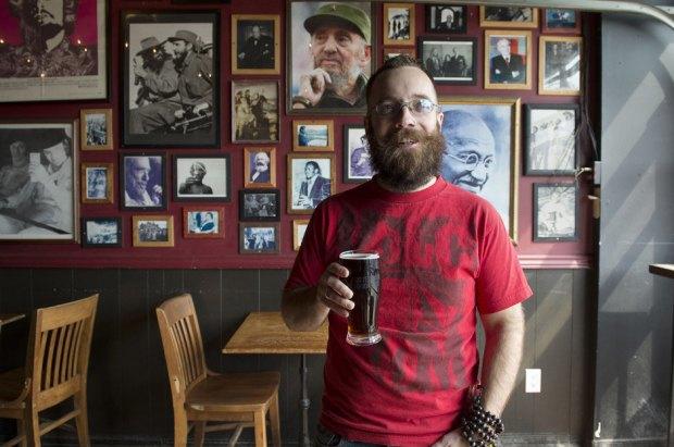 Блогер из Канады решил выдержать пост на пиве. Изображение № 1.
