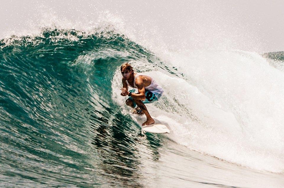 Russia Goes Surfing: Репортаж из серферского лагеря на Мальдивах. Изображение № 16.