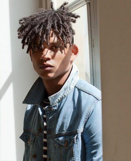 Mr. Porter и французская марка AMI представили совместную коллекцию одежды. Изображение № 1.