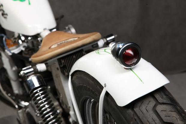 Мотоцикл Village Dream мастерской New Old Shit, участвовавший в выставке «Мотопарк». Изображение № 11.
