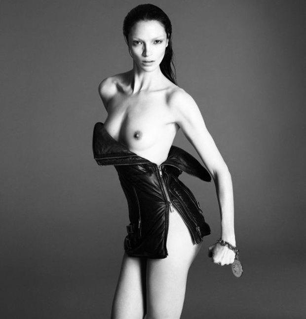 Аня Рубик, Наоми Кэмпбелл и другие известные модели разделись для Interview Magazine. Изображение № 11.
