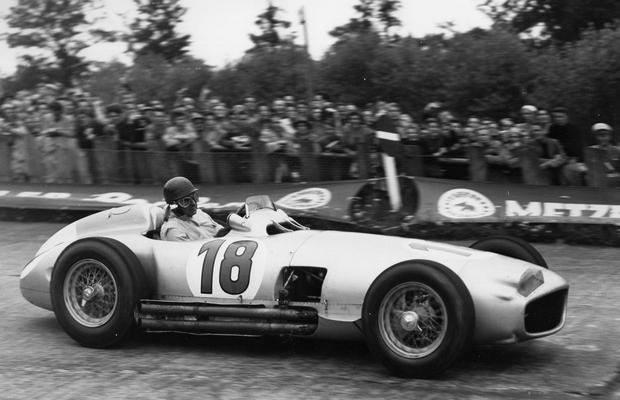 Самый дорогой болид «Формулы-1» в истории ушел с молотка. Изображение № 9.